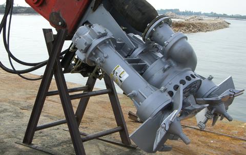 Dragflow: Pump Features: Submersible Pumps, Robust Construction